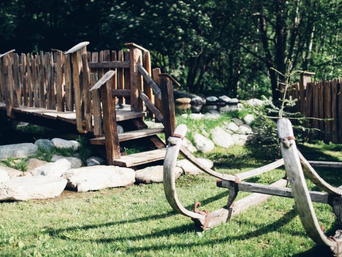 Altholzbrücke und Pflug_Chalet_Moelltaler_Gletscher